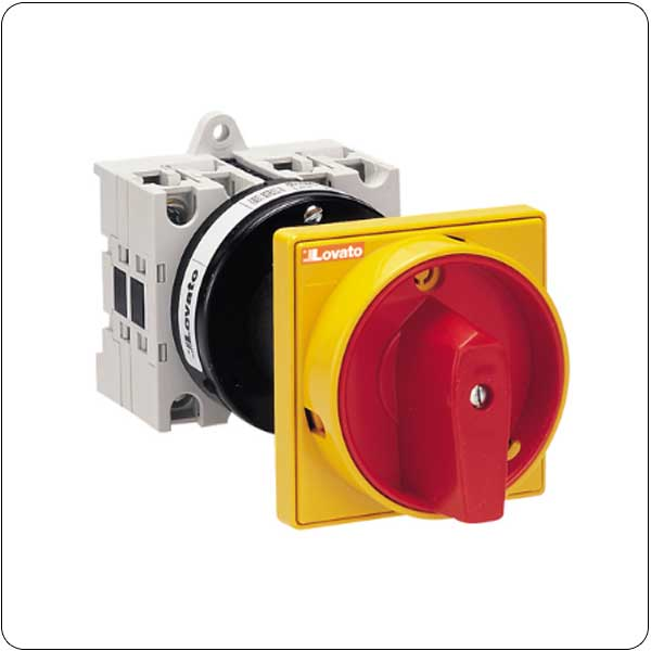 O88 - 098 versions rear mount door coupling with red/yellow padlock system. ON/OFF switches